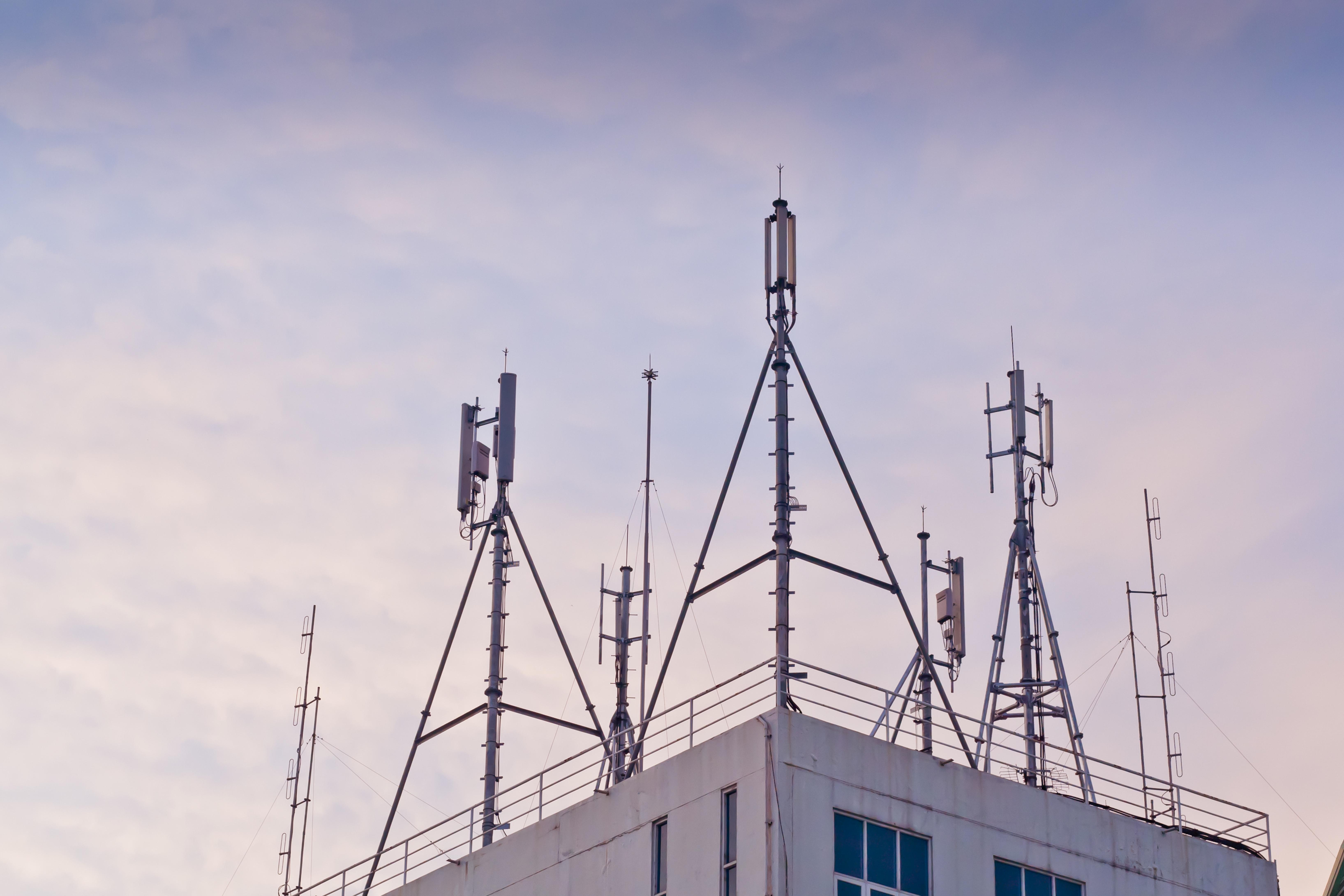 LTE-base-station-antennae